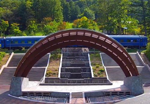 ふれあいランド岩泉中央広場を空撮動画