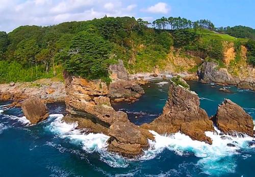 三王岩を空撮動画
