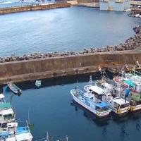 太田名部漁港を空撮動画