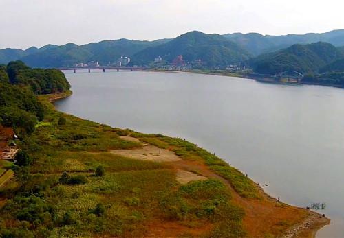 御所湖を空撮動画
