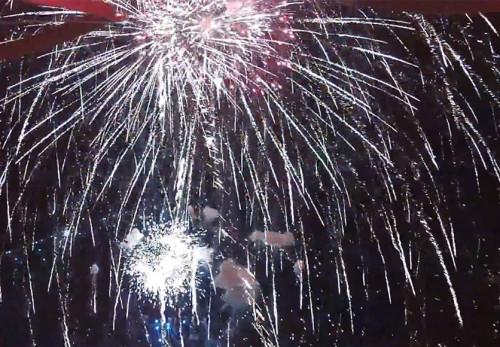 花火を空撮動画で見る[その3]