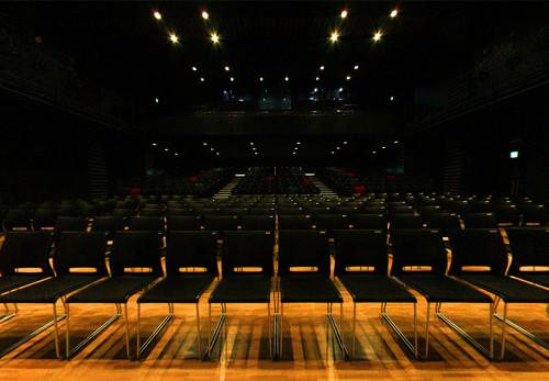 ビックルーフ滝沢-大ホール