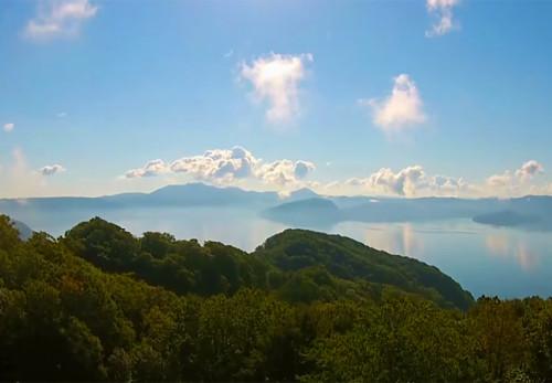 十和田湖-滝ノ沢展望台を空撮動画で見る
