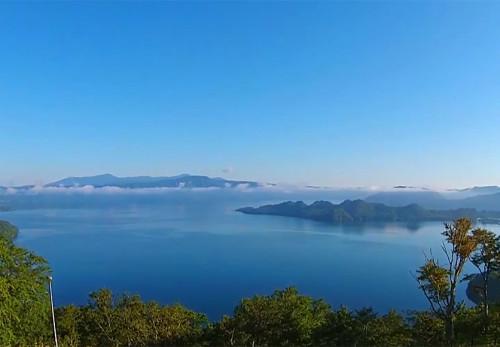 十和田湖-発荷峠展望台を空撮動画
