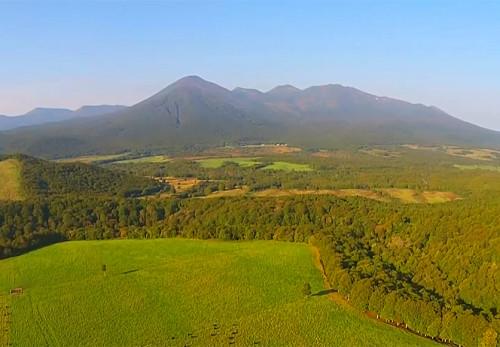 石倉山放牧場を空撮動画