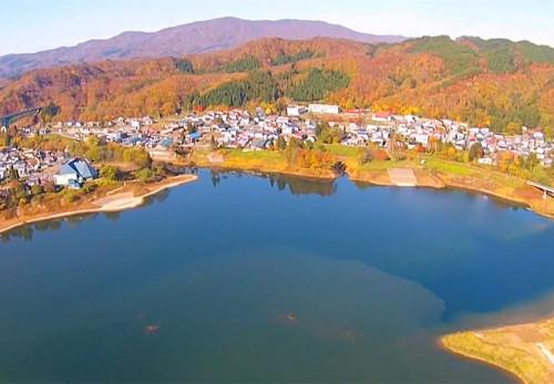 西和賀町川尻運動公園を空撮動画